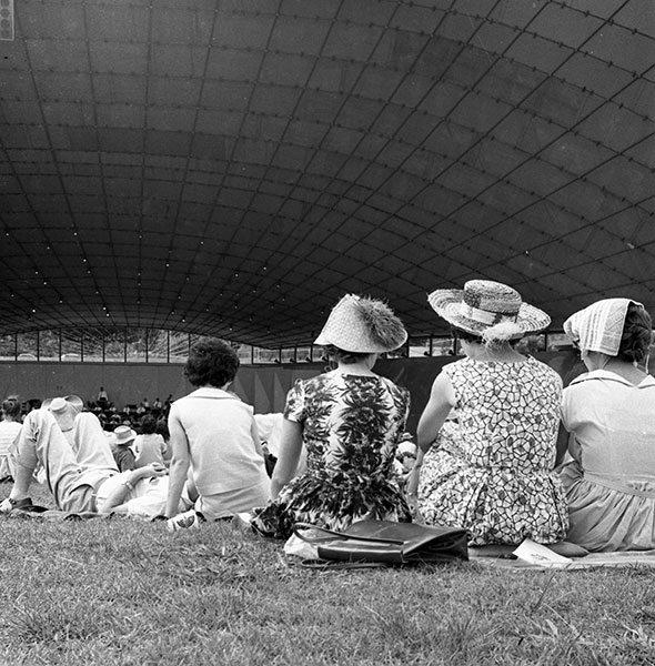 Maggie Diaz - Myer Music Bowl, Melbourne (c.1962)