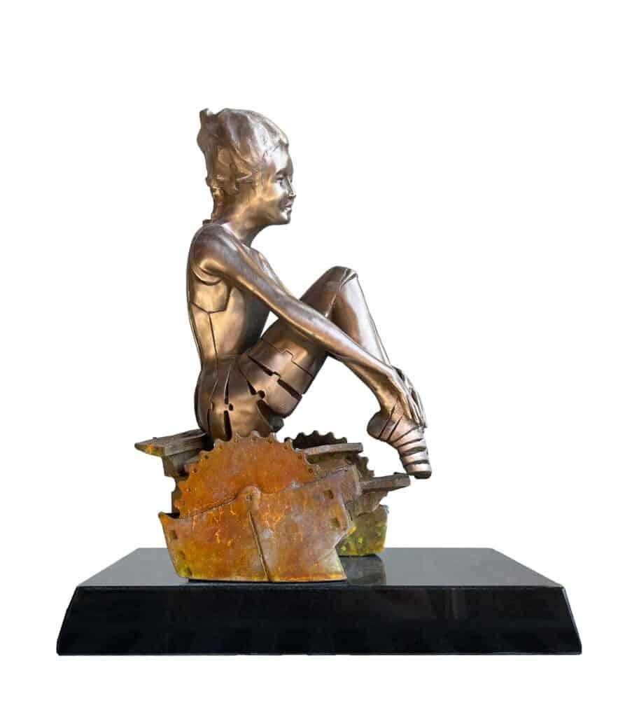 Stephen Glassborow <br><em>Alice Springs</em>, 2021 <br>Bronze sculpture<br>44 cm high<br>$8,500